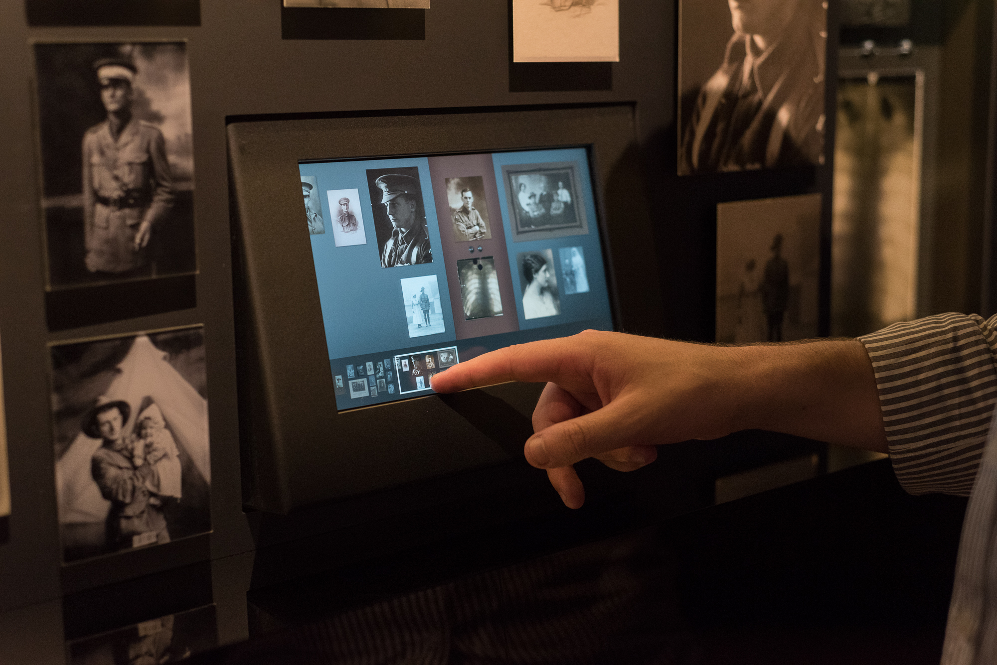 Interactive digital signage at the Australian War Memorial